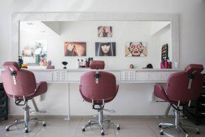 Przeprowadzka salonu kosmetycznego w Warszawie – jak ją sprawnie zorganizować?