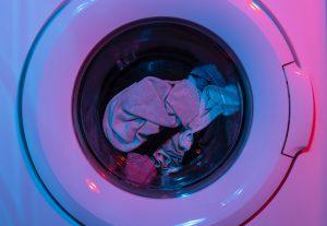 Transport pralki podczas przeprowadzki - co warto wiedzieć?