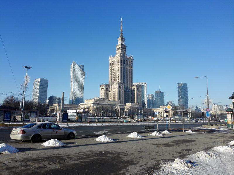 Przeprowadzka w Warszawie zimą - za i przeciw